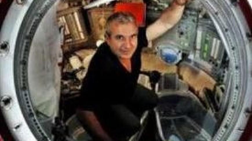 """Tourisme spatial : """"le cosmos, j'en rêve toute la journée"""" Dominique Teyssier"""