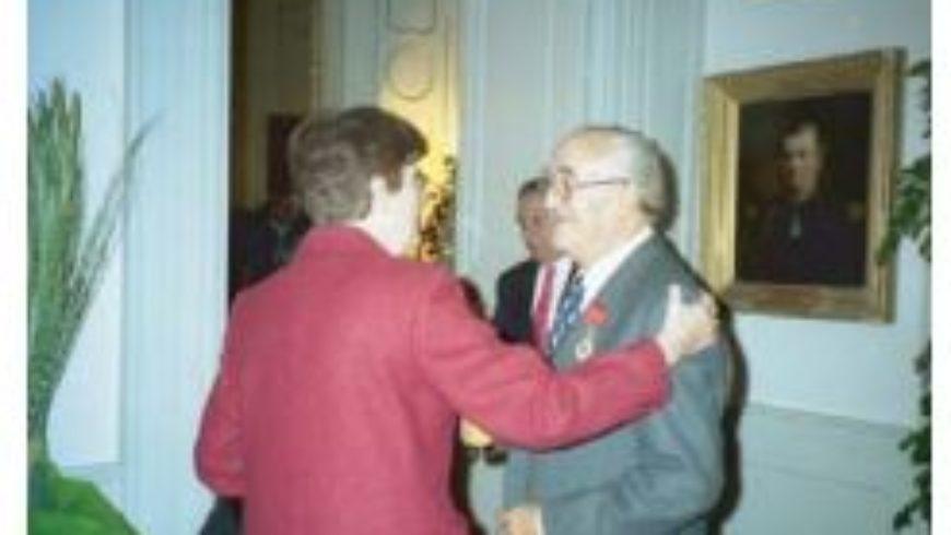 Prix de l'Académie Internationale d'Astronautique à M. Hubert PLANNEL