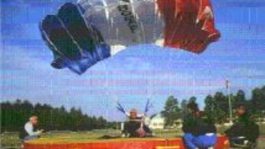 Visite de l'entreprise Turbomeca à Bordes et du Musée des parachutistes