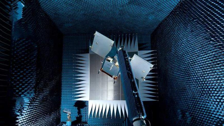 L'ENJEU DES RADIOFREQUENCES POUR LES NANOSATELLITES équipe Sous-Direction Radio Fréquence du CNES
